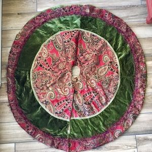 Hobby lobby paisley Christmas tree skirt